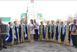 В канун праздника «Красная горка» в рамках проекта «Фестиваль национальных свадеб-2015»